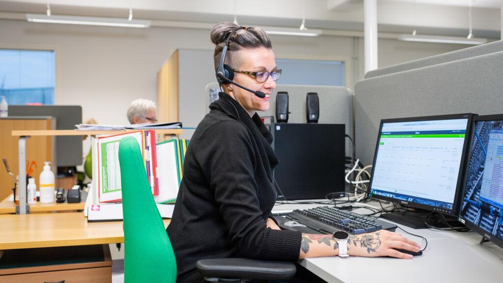 Palveluneuvoja Elina Helikoski pitää uutta kokonaisvaltaista työskentelytapaa onnistuneena.
