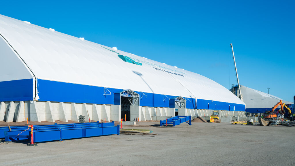 Uuden terminaalin rakentaminen oli hyvässä vauhdissa lokakuussa 2020.