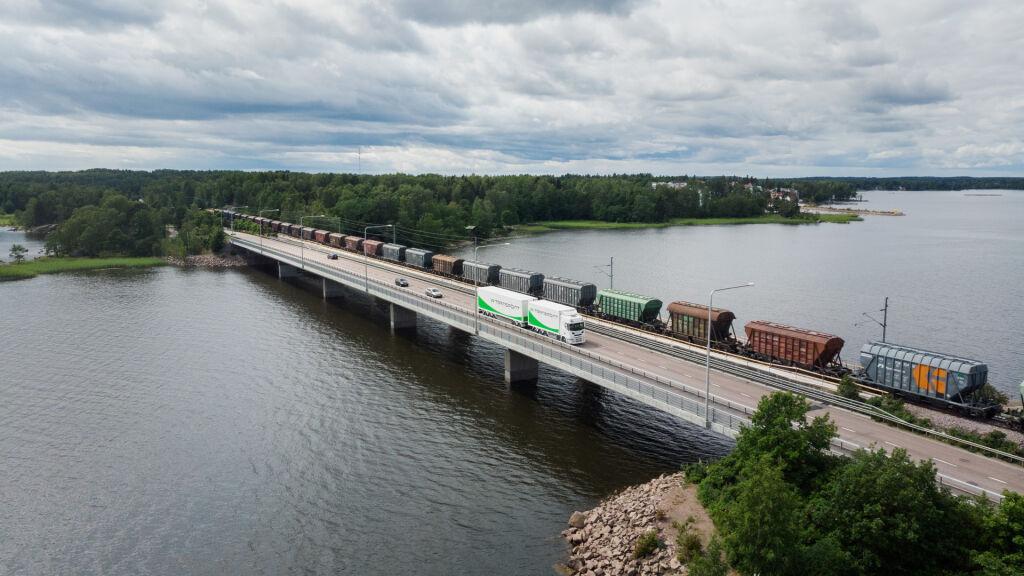 VR Transpoint edistää sekä rautatie- että maantielogistiikan päästöjen vähentämistä yhteistyössä asiakkaiden kanssa.