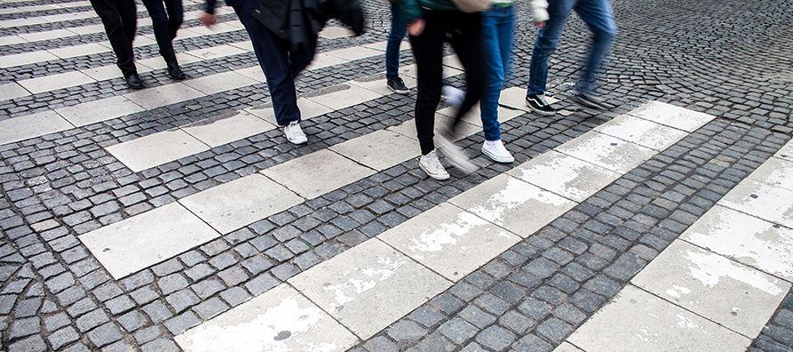 Vuoden 2018 valtakunnallista liikenneturvallisuusviikkoa vietetään 10.-14.9.2018. Teemana on turvallisesti kävellen ja pyörällä.