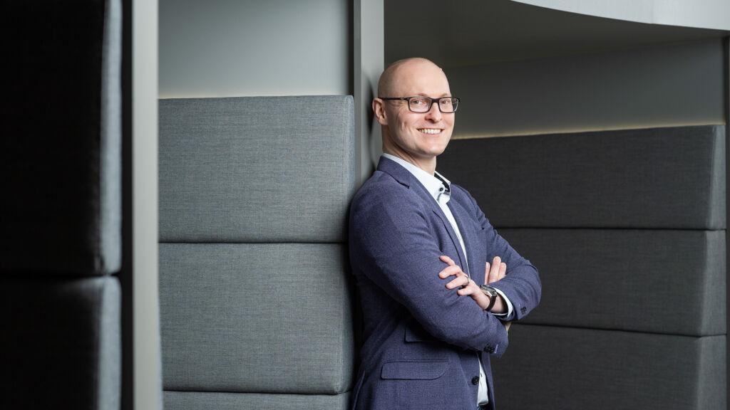 Christian von Boninilla on kokonaisvastuu raakapuukuljetusten ja vaunuryhmäliikenteen liiketoiminnoista sekä uusasiakashankinnasta.