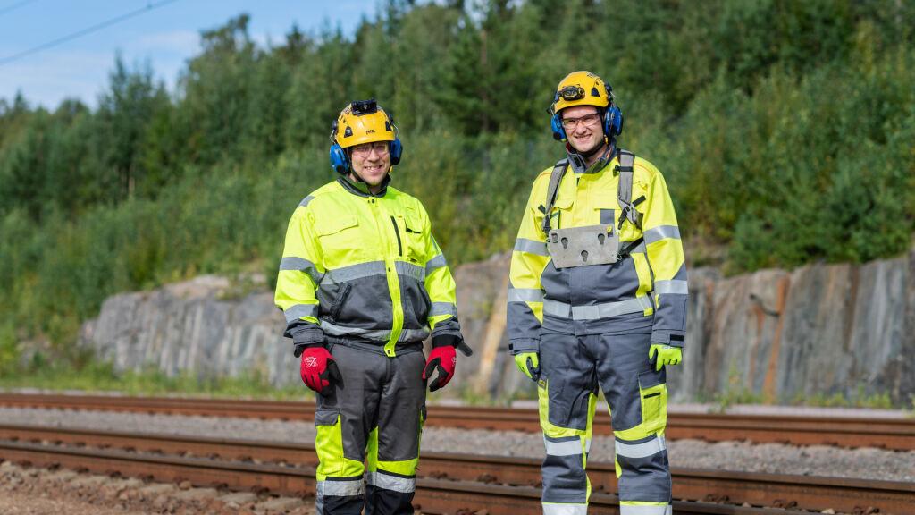 Jani Nissinen (vasemmalla) ja Heikki Rekunen ovat osa VR Transpointin uusittua työnopastuksen organisaatiota.