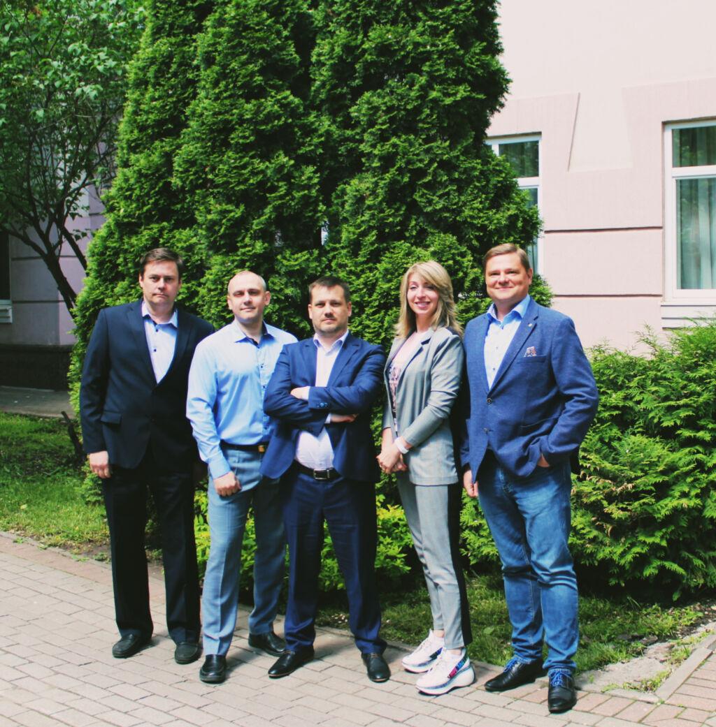 Moskovan edustuston henkilöstö.