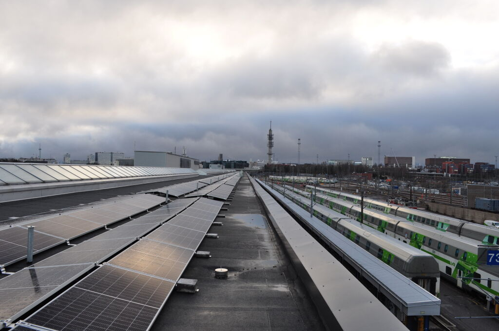 A solar power plant has been installed in the Helsinki depot and by using the energy produced by it, trains can in the future be maintained environment friendly